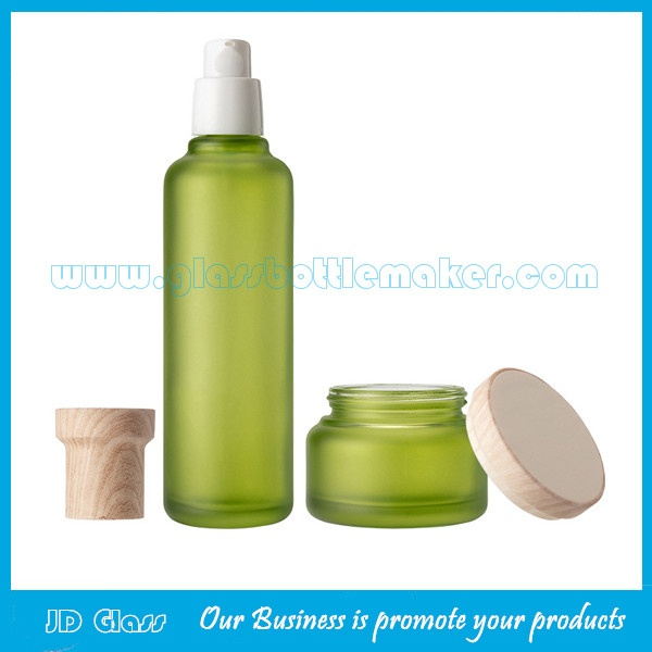New Item 120ml,100ml,40ml,50g Frost Green Glass Lotion Bottles And Cosmetic Jars With Wood Caps  For Skincare